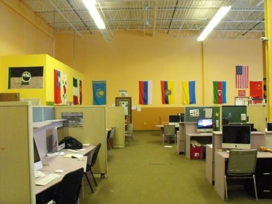 Một góc phòng máy tính dành cho học sinh nghiên cứu học tập