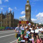 Sinh viên quốc tế được ở lại Anh 2 năm sau tốt nghiệp chương trình du học Anh