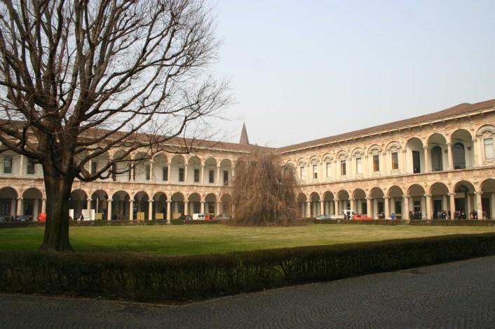 2420_-_Milano_-_Università_Statale_-_Cortile_principale_-_Foto_Giovanni_DallOrto_22-Feb-2008
